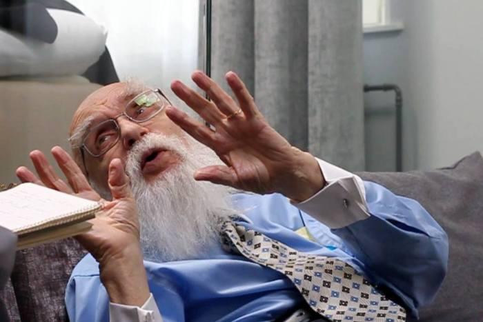 James Randi säger att vi letar efter magi i det övernaturliga i stället för att se livets mirakel som finns rakt framför våra ögon. Foto: Janne Wass