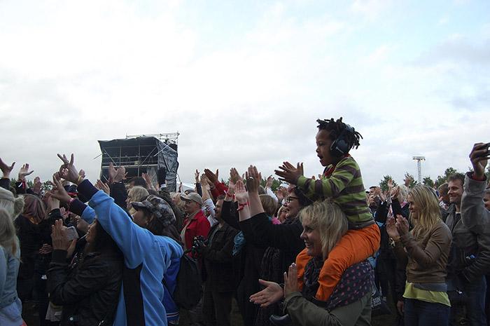 Publik på Kool & The Gangs konsert på Pori Jazz 2015. Foto: Hilda Forss