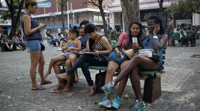 Kuba kopplar upp sig