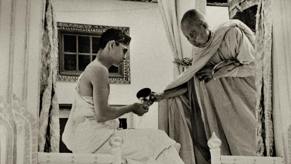 thai 007 kung bhumibol kröning wiki c webb