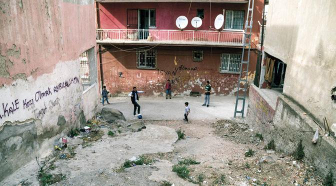 Basmane – fristad eller ändhållplats